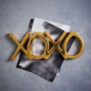 st-jude-brass-word-object-xoxo-c